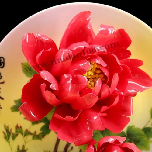 红宝石牡丹瓷细节
