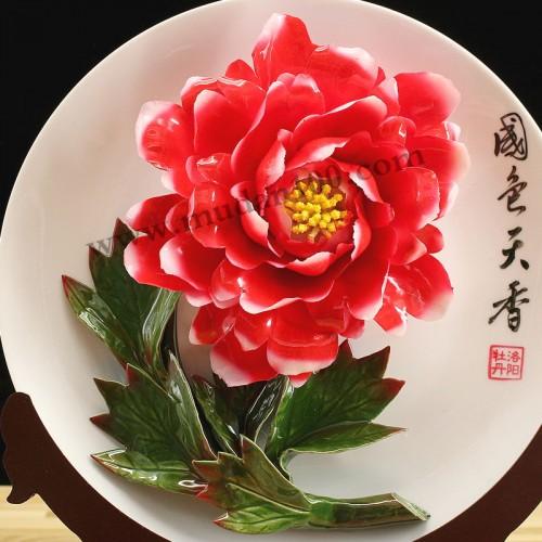 醉胭脂红牡丹瓷细节