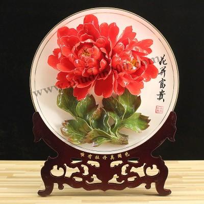 博古架新宠:百园红霞红色牡丹瓷