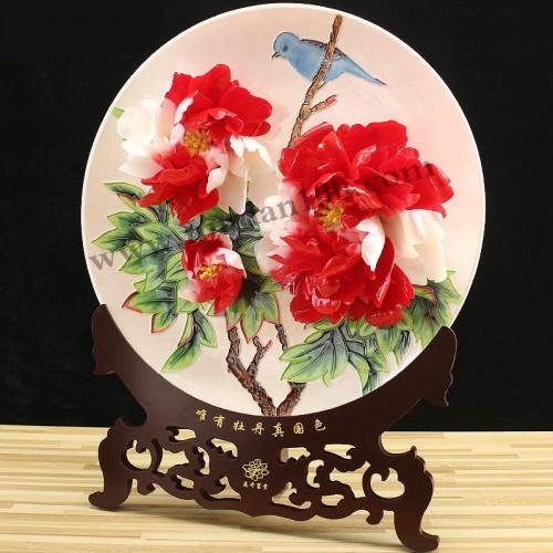 彩蝶牡丹瓷侧面