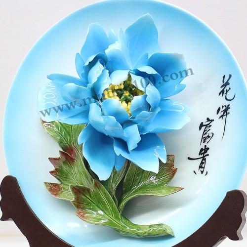 蓝田玉牡丹瓷细节